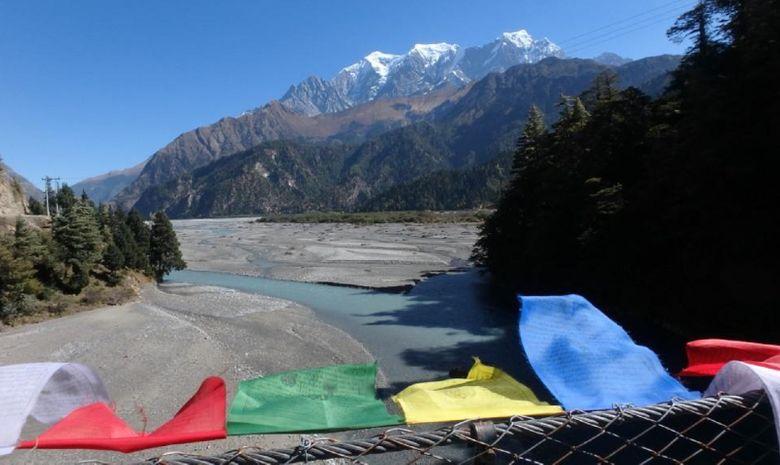 Vue sur la rivière Kali Gandaki