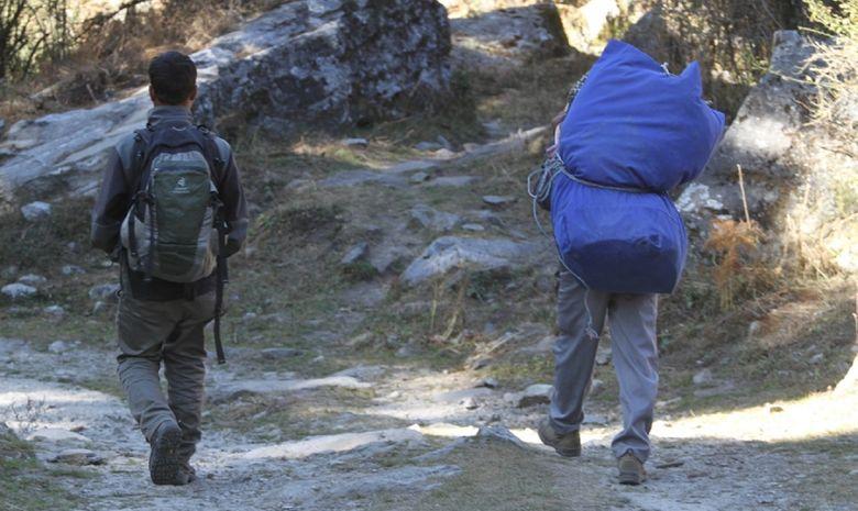 Guide et porteur népalais