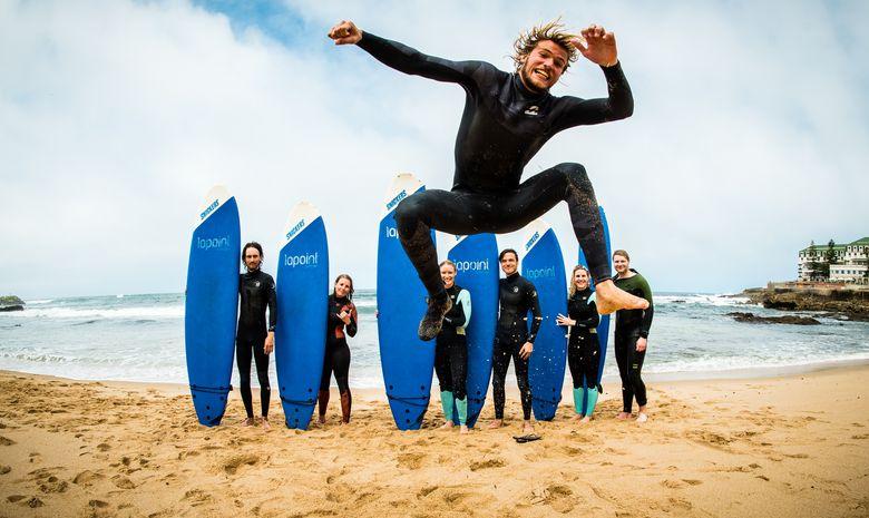 Surf-camp dans le superbe village d'Ericeira