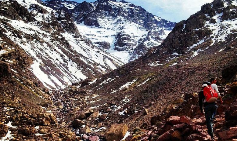 Trekkeurs dans le Massif de l'Atlas