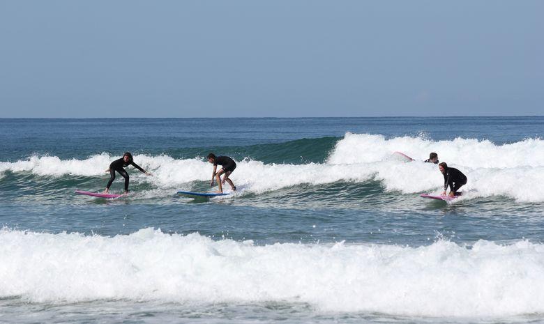 Cours de surf surfcamp ados