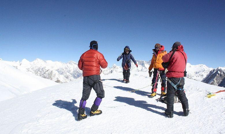 Ascension du Mera Peak (6476 m)-3