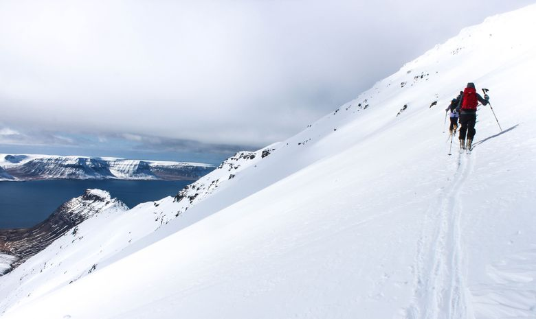 Ski de randonnée entre les fjords en Islande-2