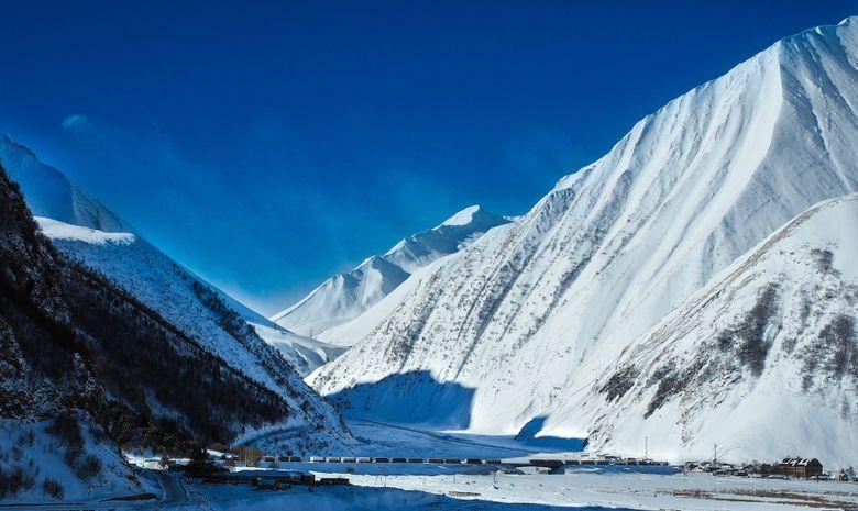 Découvrez les montagnes de Géorgie en ski de rando-1