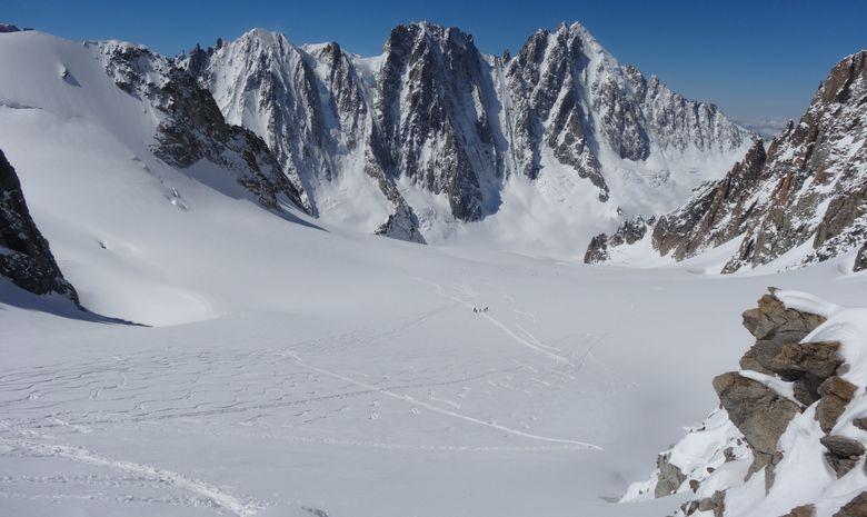 Ski de randonnée autour des Aiguilles Rouges-1