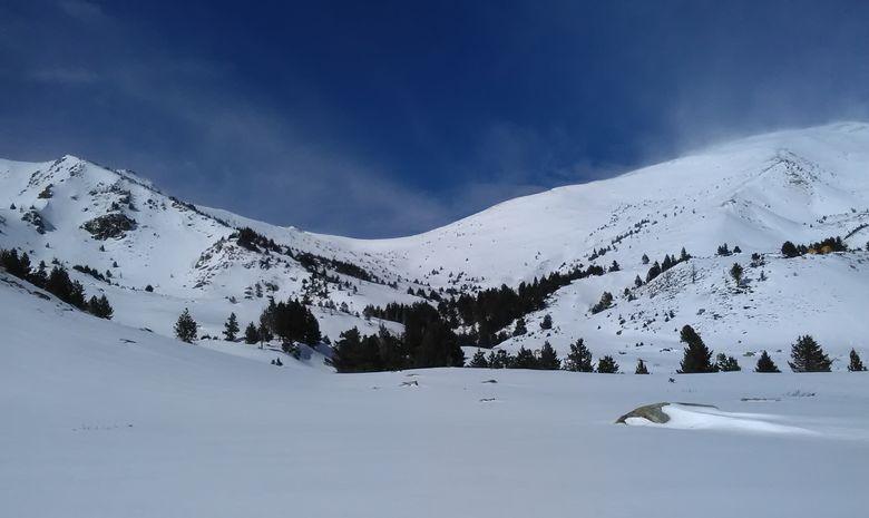raquettes à neige vers le Pla Guillem Pyrénées