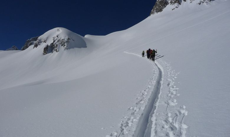 groupe montée en ski de rando