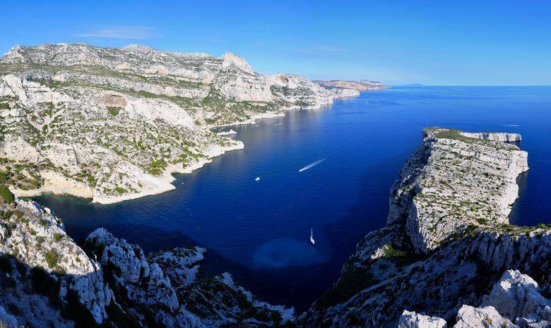 Les Calanques à la voile au départ de Marseille-13