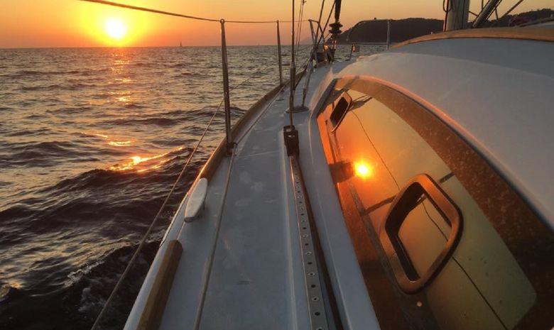 Des Îles d'Or vers Saint-Tropez à la voile-14