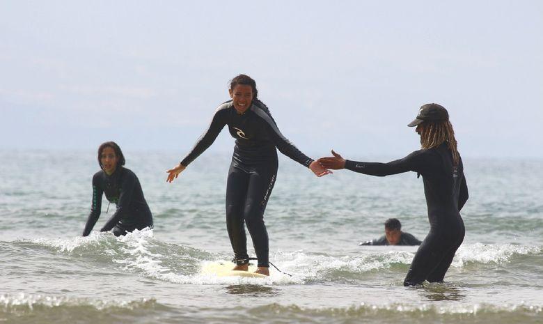 Surf Solidaire 100% filles avec Justine Mauvin -15