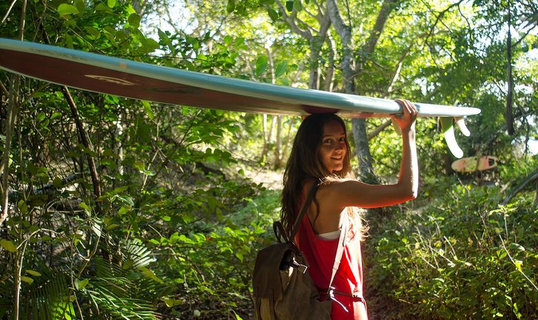 Surf Solidaire 100% filles avec Justine Mauvin -8
