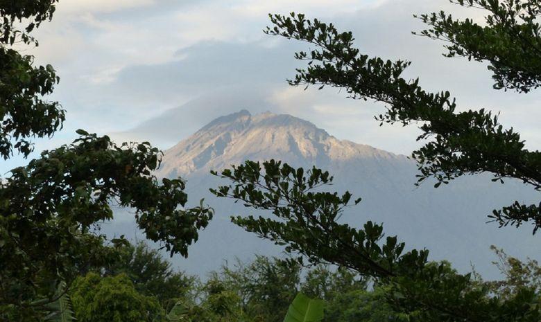 Le Mont Meru depuis Arusha