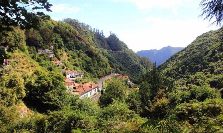 Séjour au cœur des montagnes et villages de Madère