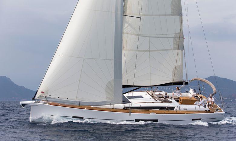 Yacht de luxe de 50' tout confort.