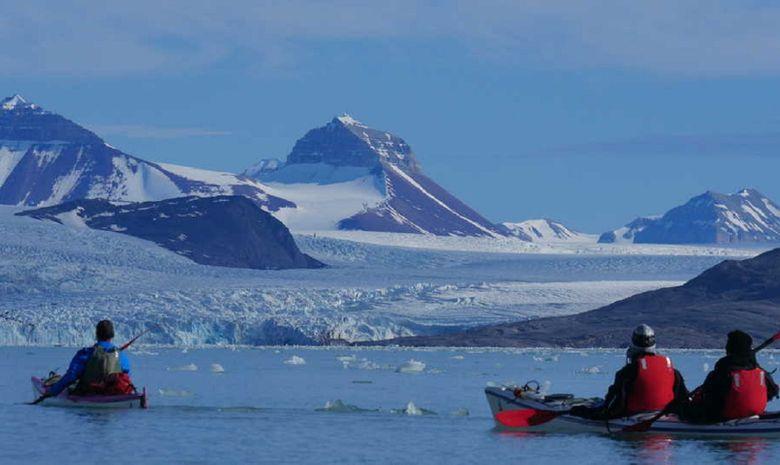 Séjour de kayak dans la baie du roi de Spitzberg