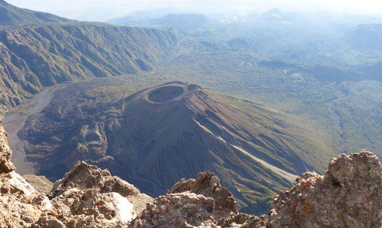 Ascension du Mont Meru, entre Trek & Safari à pied