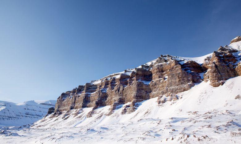Magnifique paysage du Spitzberg sous la neige