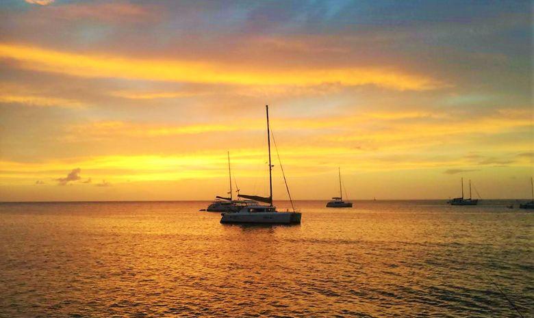 Croisière privatisée LAGOON 450F en Guadeloupe