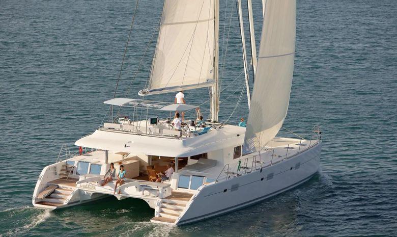 Croisière catamaran Îles Vierges avec hôtesse