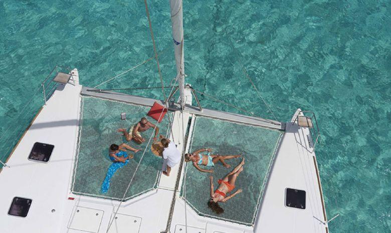 Croisière catamaran Guadeloupe avec hôtesse