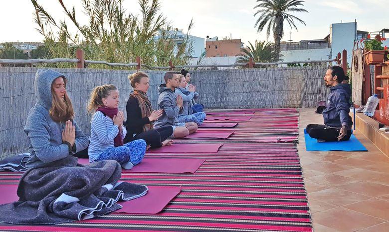 Retraite Yoga sur la plage au sud du Maroc