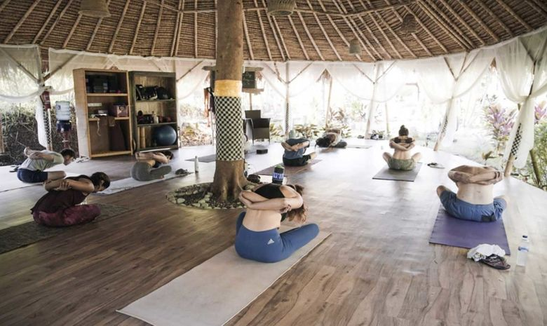 Retraite Yoga Aérien & Surf à Bali