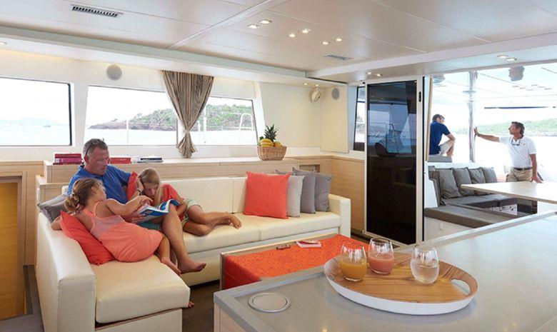 Croisière cabine LAG 620 Corse du Sud avec hôtesse