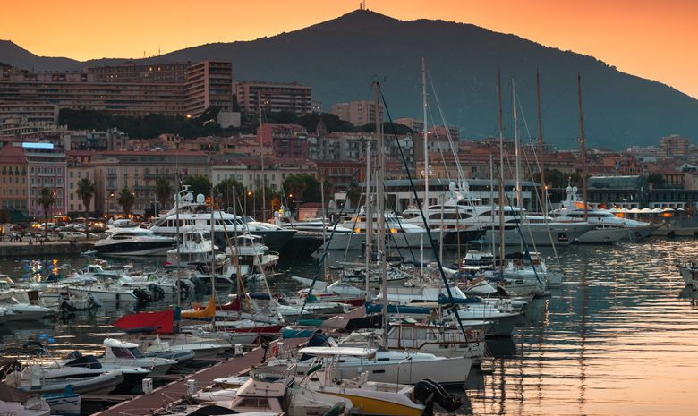 Croisière privée en Corse du Sud - catamaran 42'
