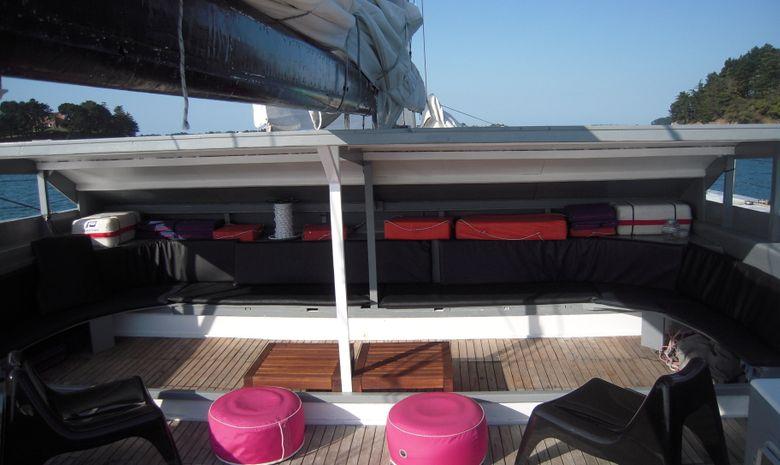Journée en maxi catamaran à destination de Houat-2